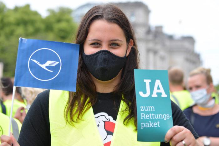 Billionaire Thiele to vote in favor of Lufthansa bailout plan