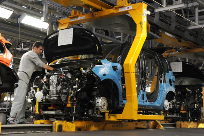 Electric car to save France's auto industry?