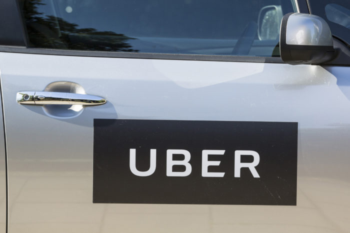 Netherlands: Uber starts electric taxi service
