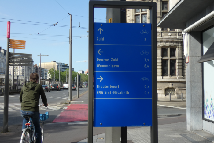 Antwerp introduces functional bicycle signposting