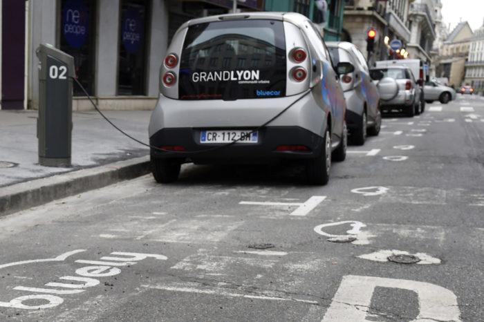 Bolloré pulls plug on car-sharing Bluely in Lyon