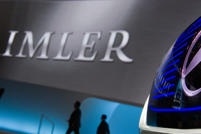 Daimler employees to work less to save the company money