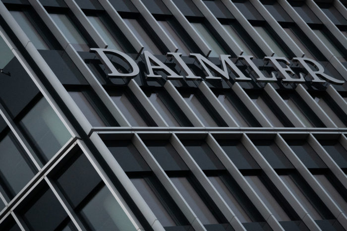 Mitigated news from Daimler: better results, more job cuts