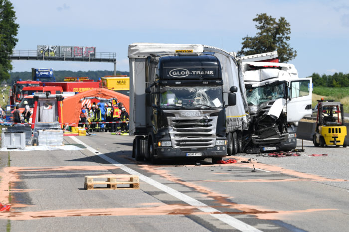 Trucks involved in 25% of deadly road accidents in EU
