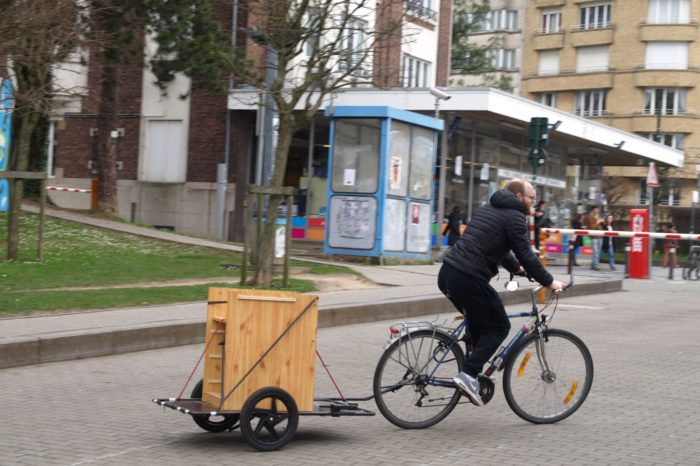 Brussels non-profit Remorquable rents bicycle trailers