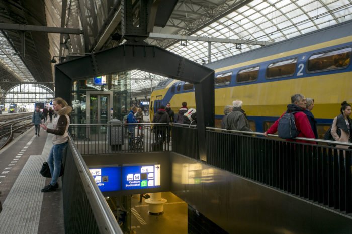 Region of Amsterdam is spreading its commuters