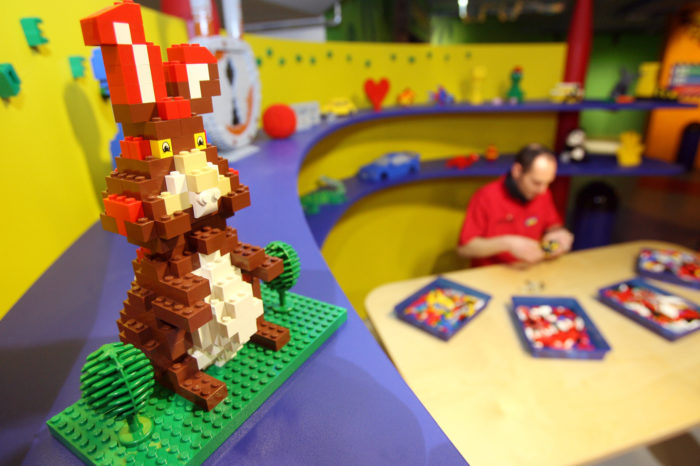 Lego to sound death bell for Chinese Cloé in Charleroi?