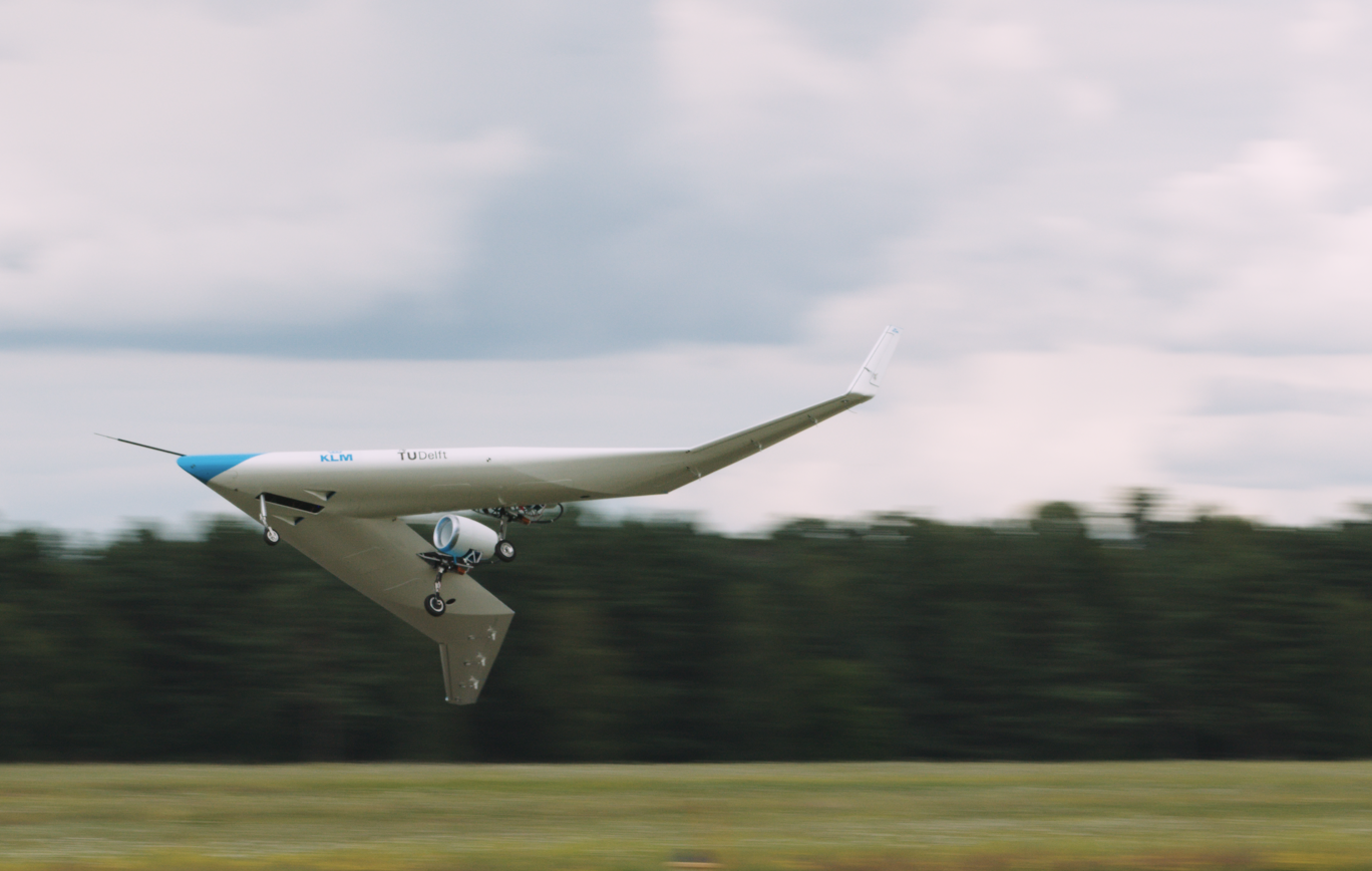 Dutch Flying-V gets airborne as a scale model