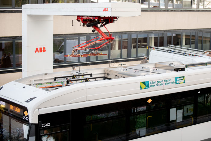 De Lijn suspends tender of  970 e-buses
