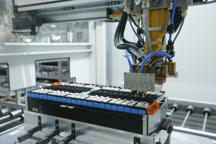 BMW ramps up battery capacity