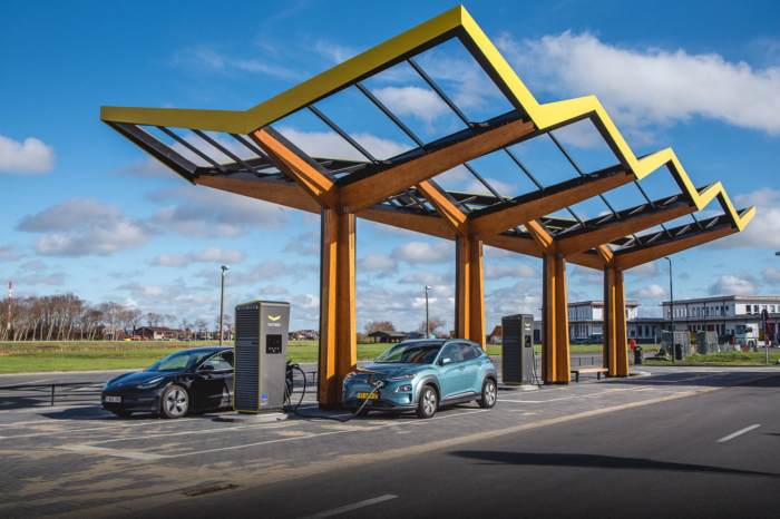 Fastned opens its first fast-charging station in Belgium