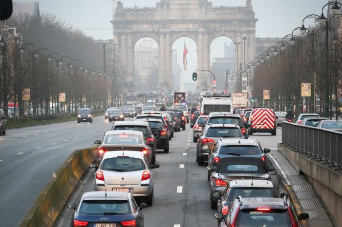 Brussels sticks to 'intelligent kilometer tax' by 2022
