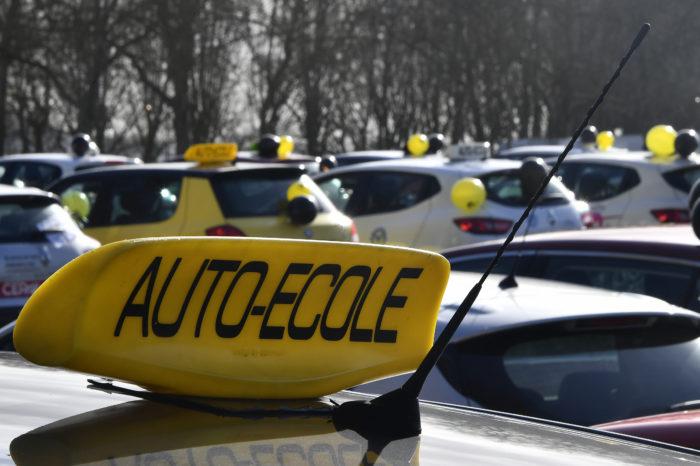 Belgium closes driver's license schools and centers