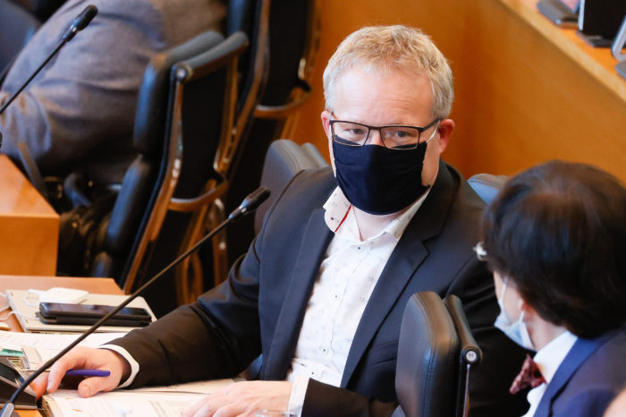 Brussels kilometer tax: Walloon MPs vote for dialogue