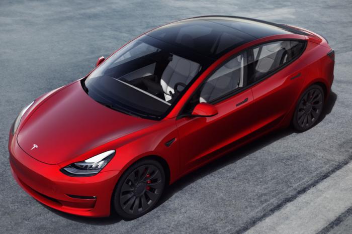 Dutch Tesla 'love affair' cools down by 73%