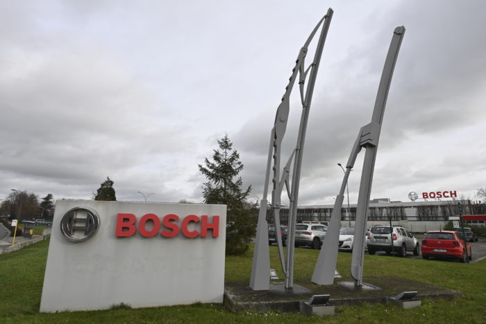 Bosch to cut 400 of 863 jobs at wiper factory Tienen