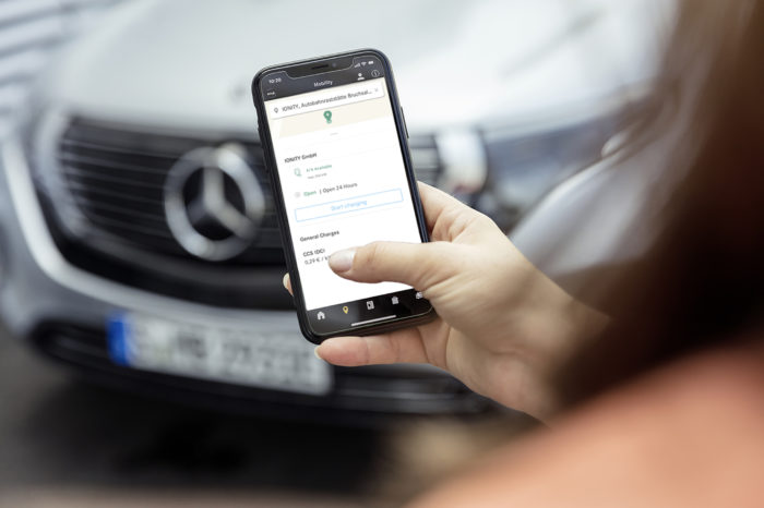 BMW and Daimler joined by BP in charging developer DCS