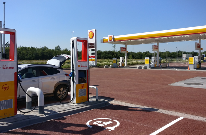 Shell trials superbattery for charging when grid fails to deliver