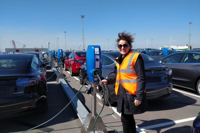 Zeebrugge: windmills to charge thousands of Teslas and Chinese EVs