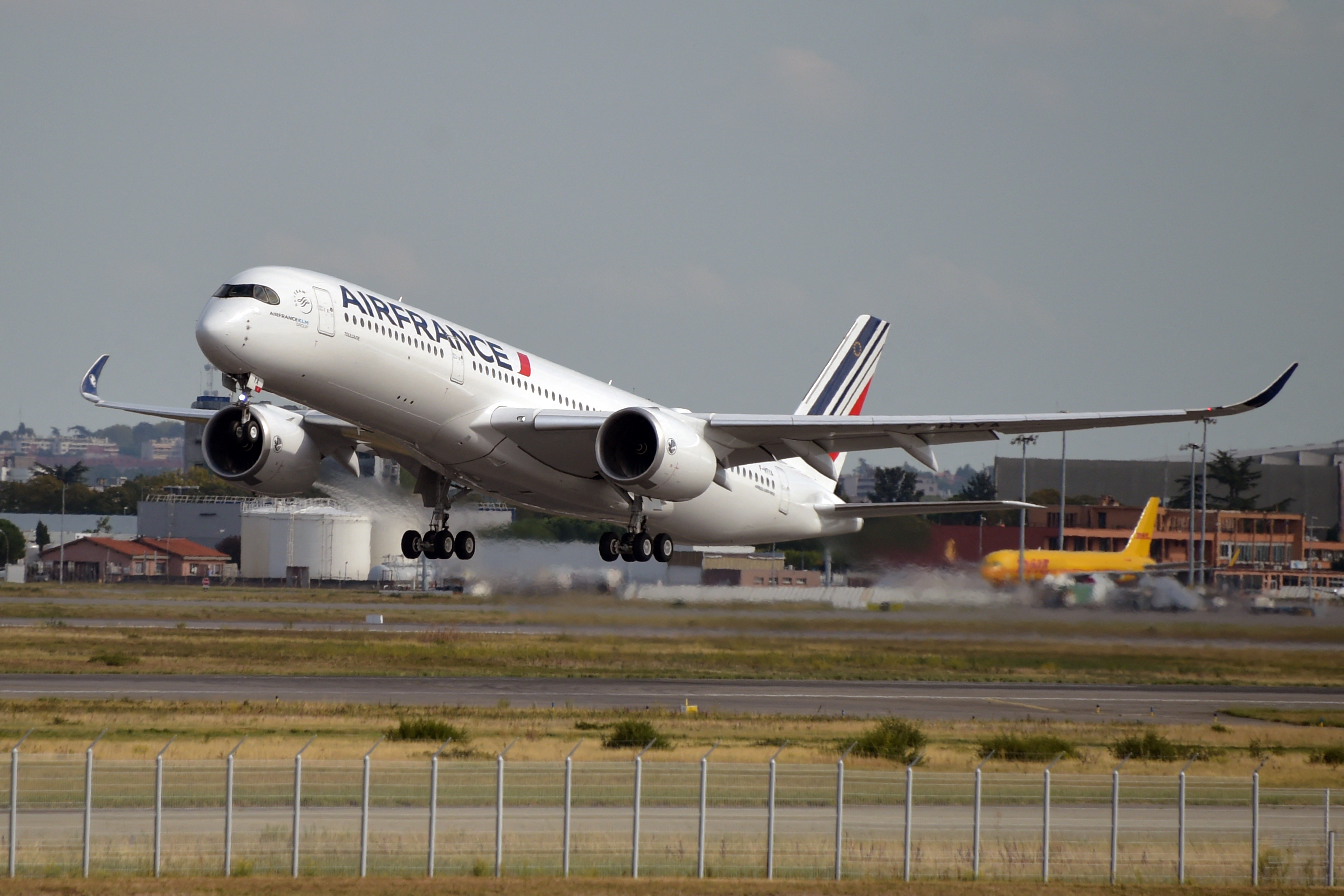 France: €4 billion and a 29,9% stake to save Air France-KLM