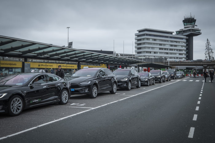 Six Dutch cities only allow emission-free taxis from 2025