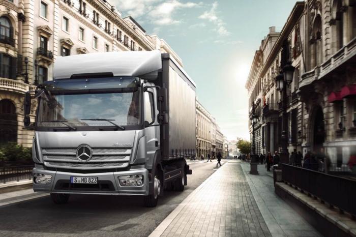 Van Mossel ventures into Mercedes-Benz Trucks in Antwerp