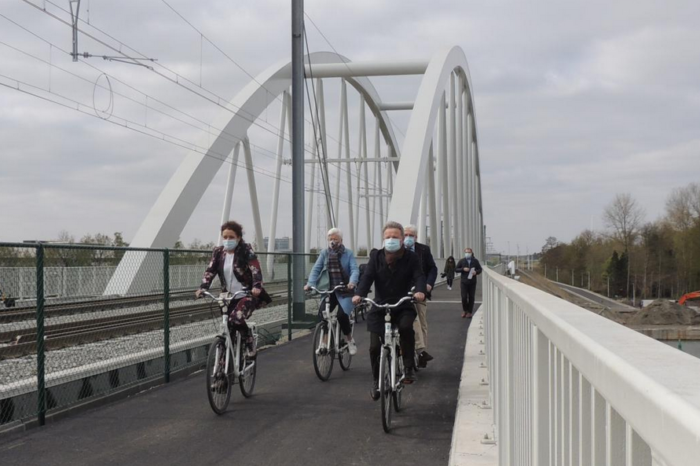 Bicycle bridges inaugurated in Mol and Kuringen