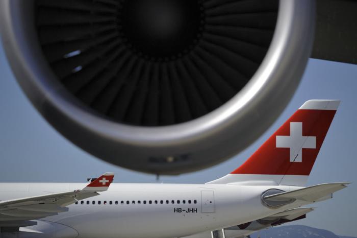 Swiss to cut staff and fleet, 1 700 jobs at risk