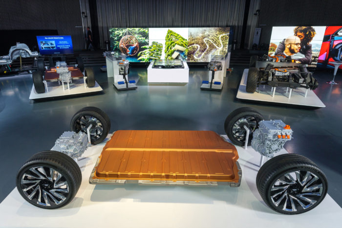 GM to build electric models in China