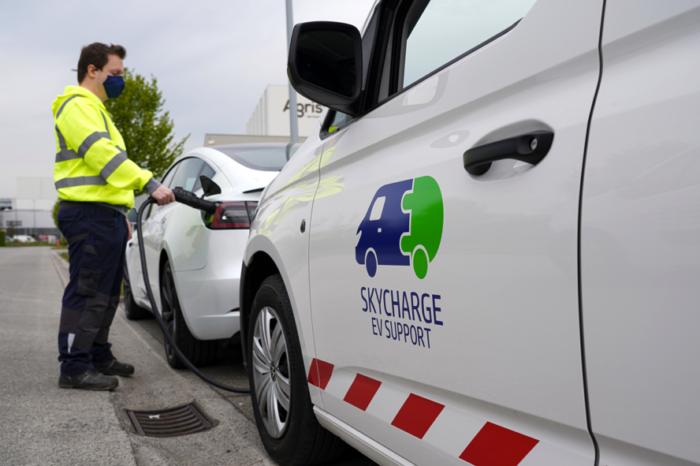 SkyCharge: mobile EV charging service in East Flanders