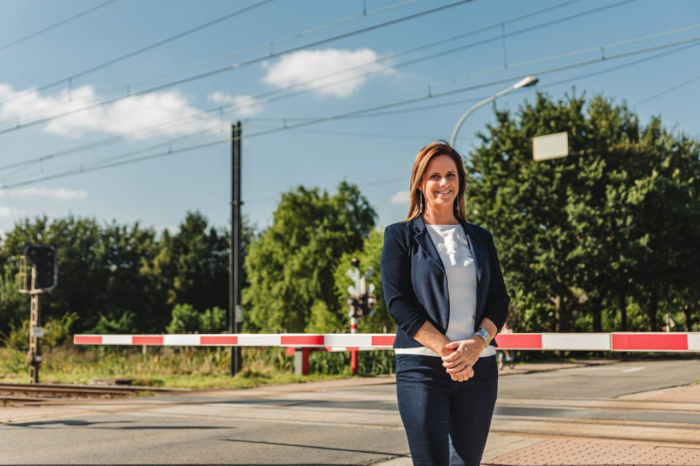 Up to €2 000 fine for entering grade crossing