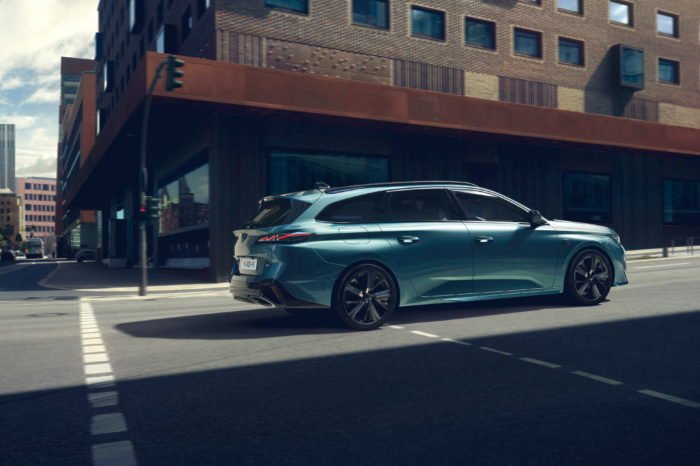 New Peugeot 308 SW also in two PHEV variants