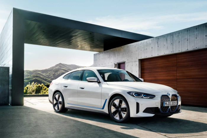BMW i4 launched in 2 versions