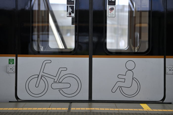 Brussels trams more accessible for wheelchair users thanks to rubber edge