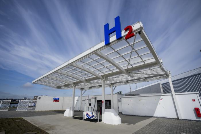 First multimodal hydrogen filling station opens in Antwerp