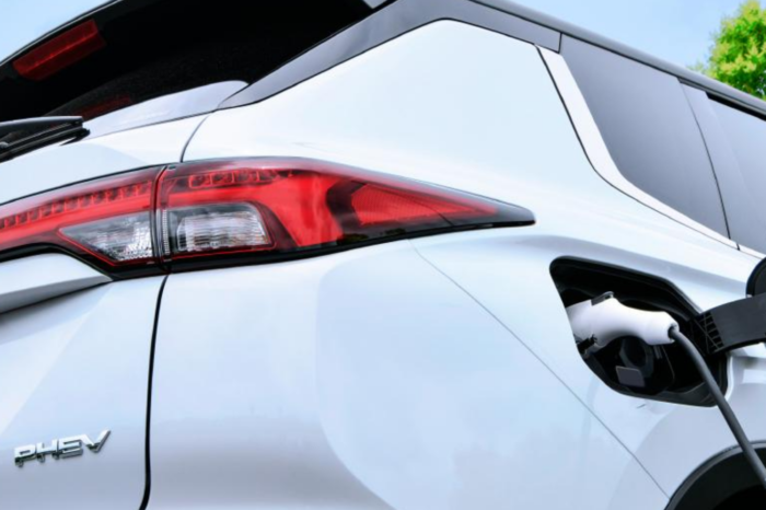 New Mitsubishi Outlander PHEV is coming, but not to Europe