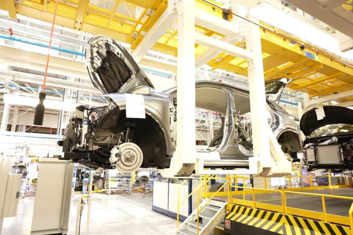 Renault ElectriCity: €550 million for electric Megane production