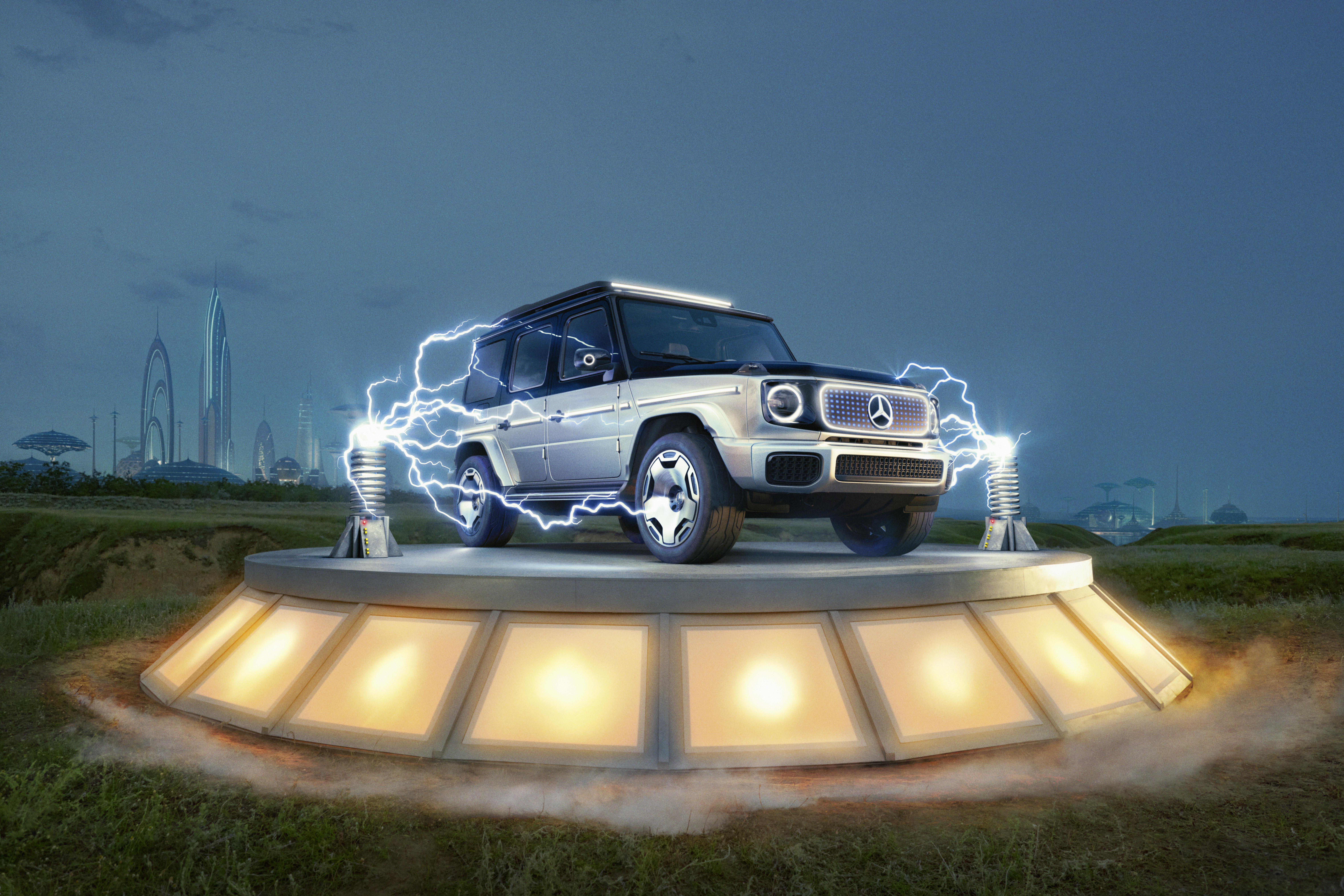 Mercedes showcases also electric SUVs at IAA