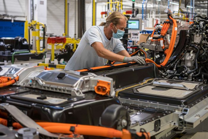Volvo Cars Ghent searches 500 employees to meet EV demand
