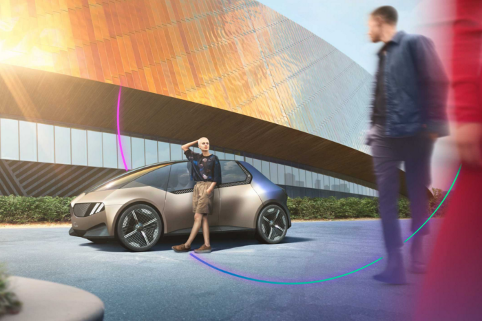 BMW goes circular at IAA Mobility in Munich