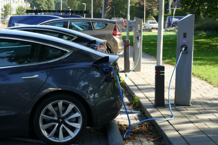 2 out of 3 Belgians consider environmentally friendly car