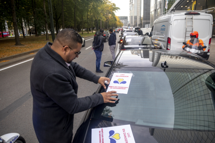 New Brussels rules put street taxis, Uber and Hitch on same level