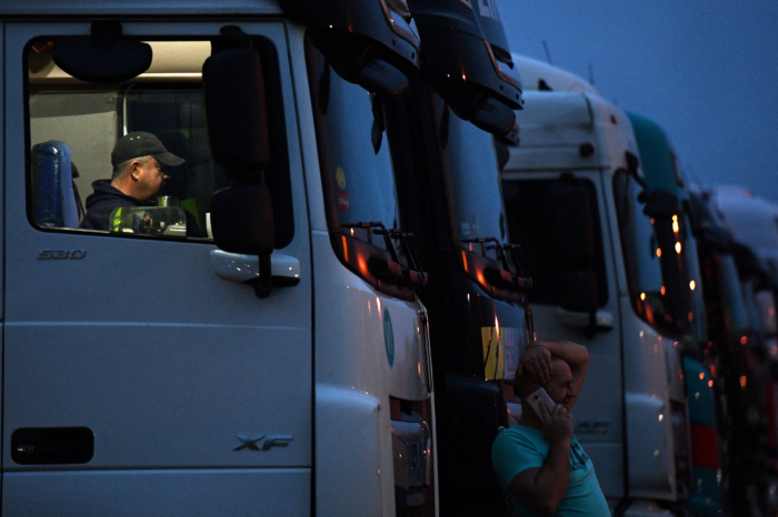 5 000 extra truck drivers wanted to keep Belgian shop shelves filled