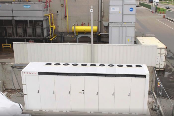 Luik Natie installs Belgium's first Tesla Megapack storage battery